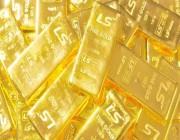 الذهب في أدنى مستوياته خلال عام