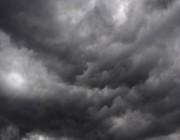 تحرك كتلة سحابية ضخمة محملة بالأمطار الغزيرة وهذا مسارها