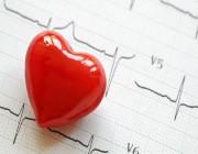 «طبيب قلب» يحذر الشباب من خطورة ارتفاع الكوليسترول