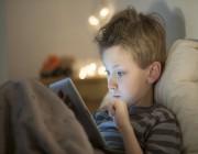 كيف أثّرت التكنولوجيا في علاقات أبنائنا الاجتماعية؟.. النتيجة صادمة