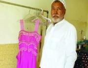 خياط يحتفظ بفستان عروس كويتية سلمته له إبان أزمة احتلال الكويت ولم تعد لأخذه