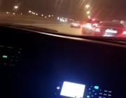 شاهد اكشن المرور السري في شوارع الرياض ! مطاردة وايقاف السيارات المسرعه والمخالفه بالقوه ! شوفو وش صار 😰
