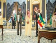 الملك يشهد توقيع اتفاقية جدة للسلام وينهي عقودًا من الصراع بين إثيوبيا وإريتريا