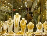 أسعار الذهب ترتفع بفعل تراجع الدولار