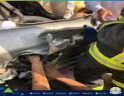 صور.. تحرير يد مواطن احتجزت داخل فتحة خزان وقود السيارة