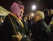 لقطات من وصول ولي العهد إلى تونس .. واستقبال الرئيس السبسي