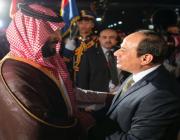 ولي العهد يصل مطار القاهرة والسيسي في مقدمه مستقبليه