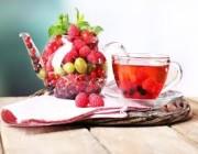تناول الشاي والتوت يقي من هذه الأمراض الخطيرة