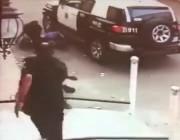 """بالفيديو.. لحظة ضبط """" لص """" بالجرم المشهود في جدة"""