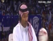 شاهد.. رد فعل يوسف الثنيان بعدما ارتطمت به كرة على الهواء مباشرة