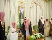 الملك يستقبل المفتي وأعضاء لجنة الإفتاء وهيئة كبار العلماء وأئمة وخطباء الحرمين