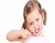 4 أخطاء يرتكبها الكثيرون عند تنظيف الأسنان