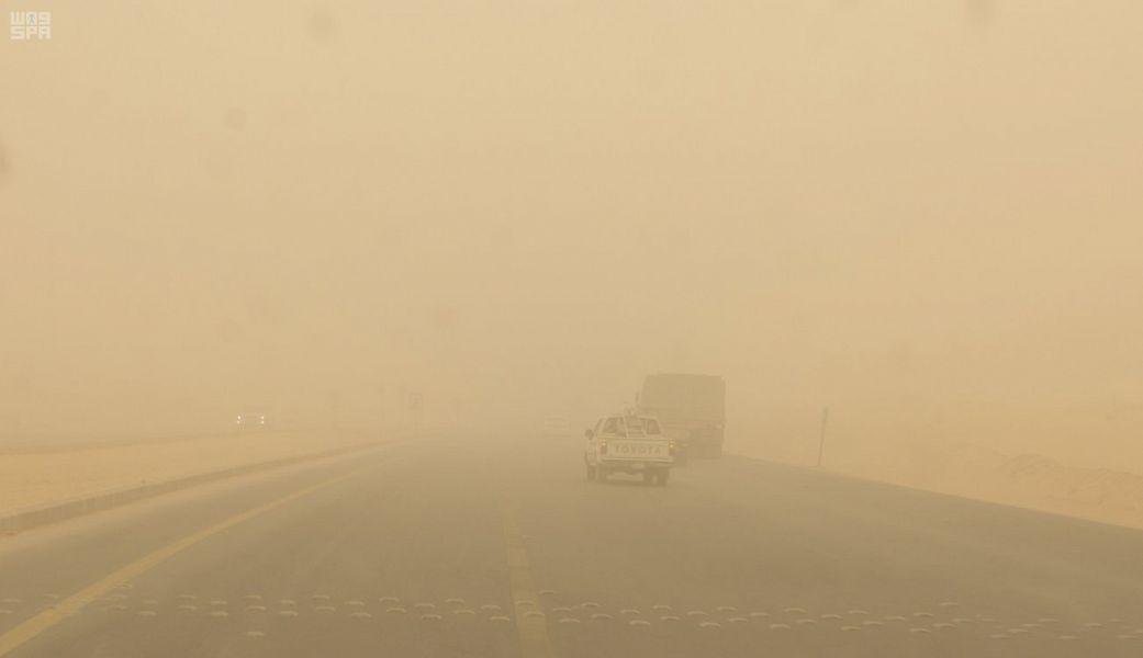طقس الأربعاء .. غبار على 5 مناطق مع ضباب