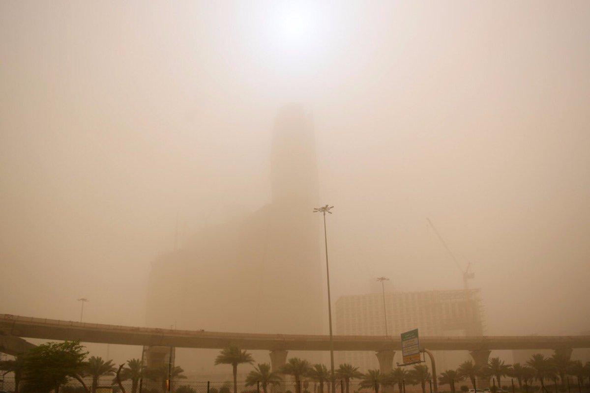 ثلاثاء غير مستقر بسبب الأمطار والغبار