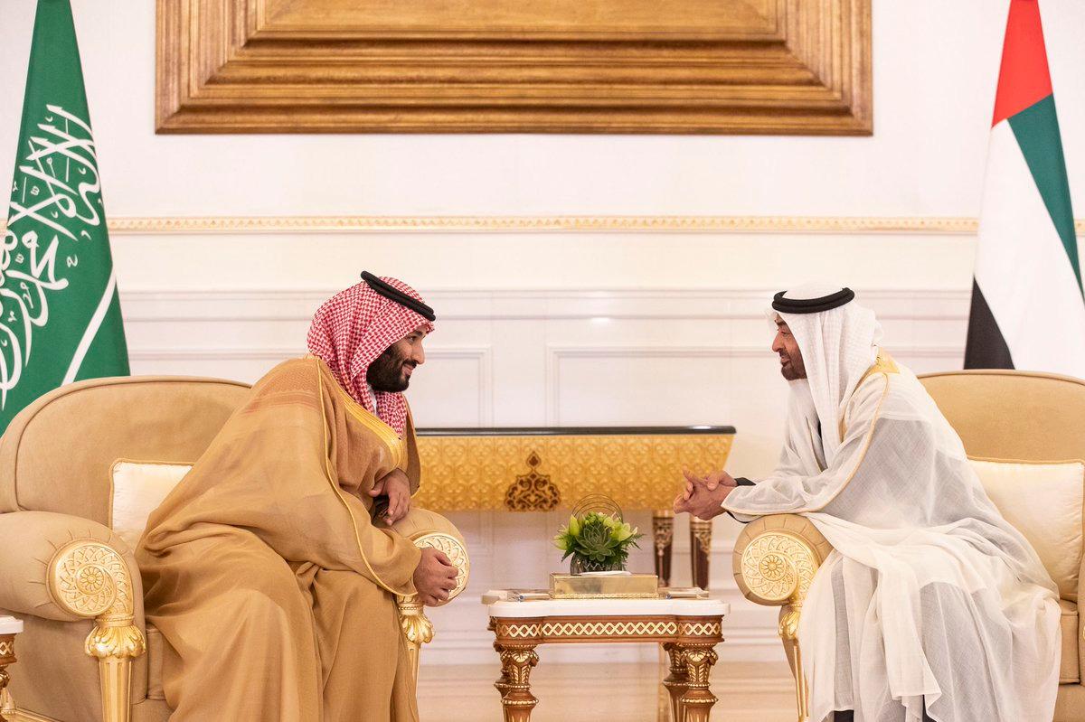 ولي العهد ومحمد بن زايد يبحثان العلاقات الأخوية والقضايا الإقليمية