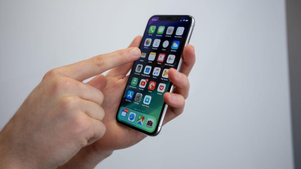 صور.. أول حالة اشتعال لهواتف أيفون X