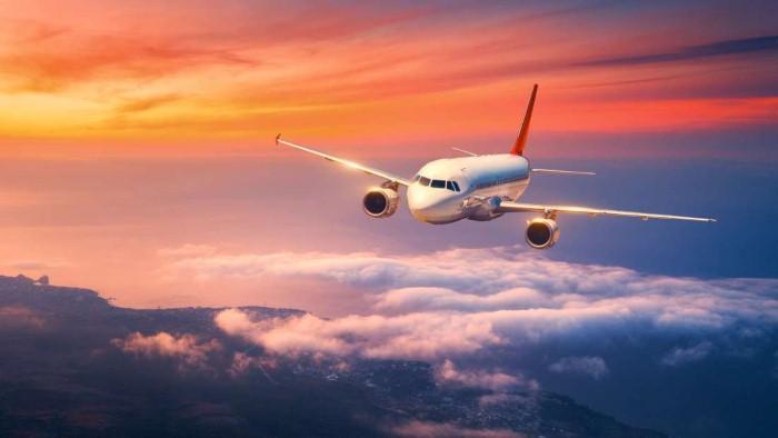 الوفاة في الجو.. كيف تتصرف شركات الطيران في الموقف المهيب؟