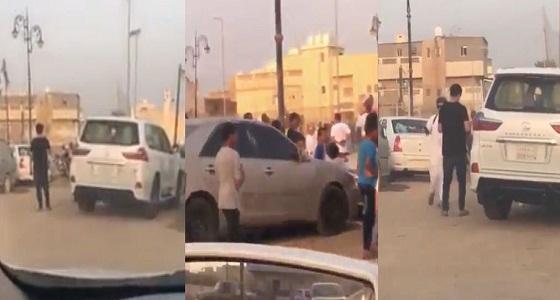 بالفيديو.. شاب يطلق النار بشكل عشوائي والنائب العام يوجه بالقبض عليه