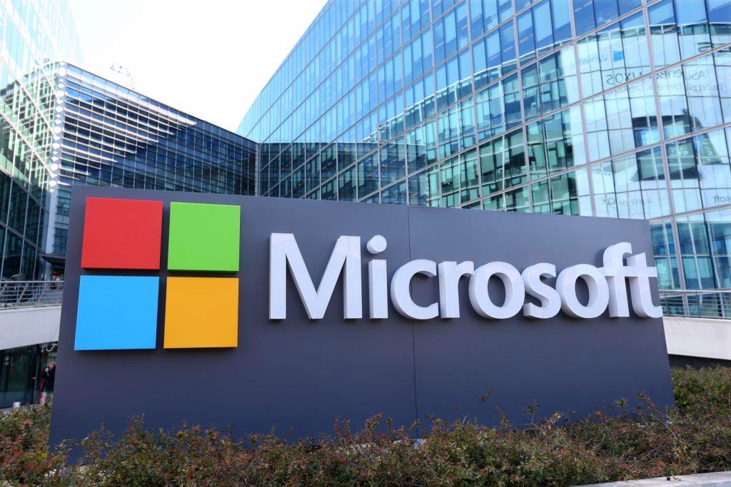 """""""مايكروسوفت"""" تطلق مجموعة متنوعة من الأجهزة الإلكترونية العام المقبل"""