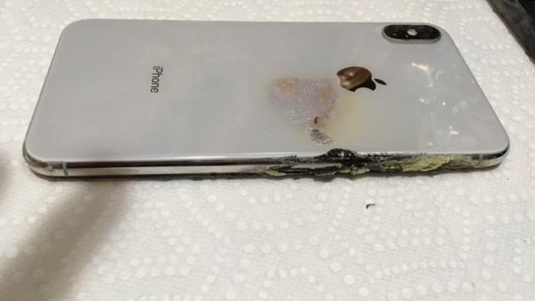 أول انفجار أيفون XS MAX يثير تساؤلات حول مستقبل هواتف أبل
